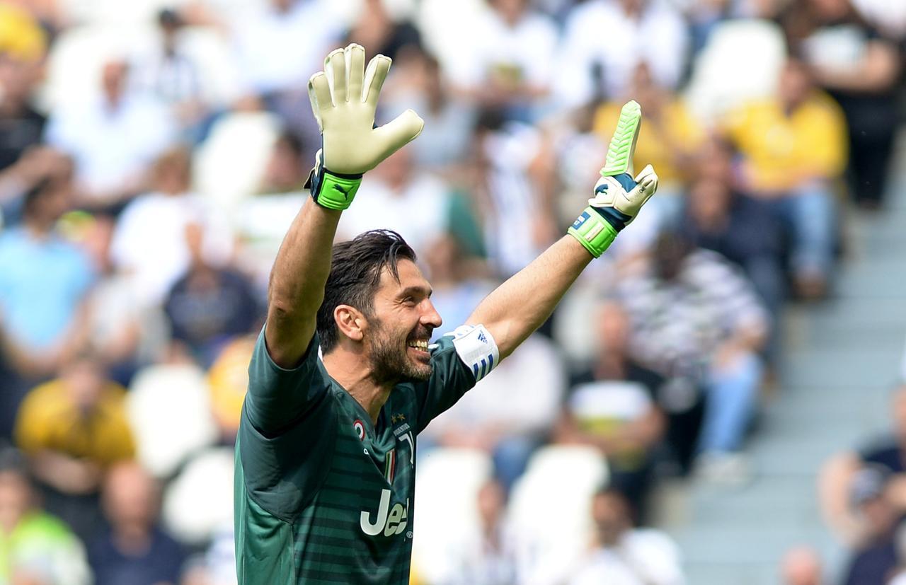 9313059f36e Soccer Football - Serie A - Juventus vs Hellas Verona - Allianz Stadium,  Turin, Italy - May 19, 2018 Juventus' Gianluigi Buffon gestures to the fans  ...