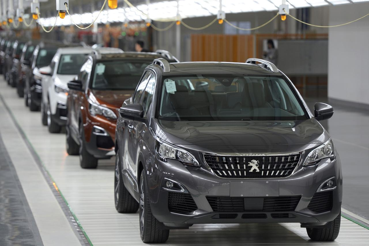 Software And Stealth How Carmakers Hike Spare Parts Prices Reuters