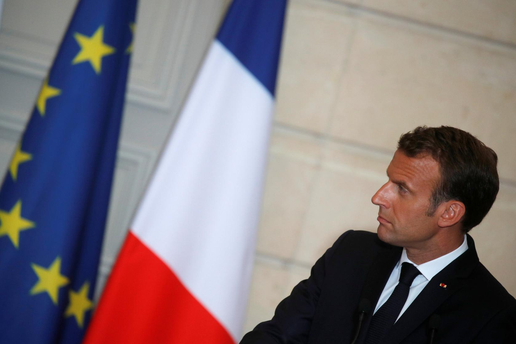 Macron S Campaign Economists Warn French Leader Over Rich Friendly Policies Reuters