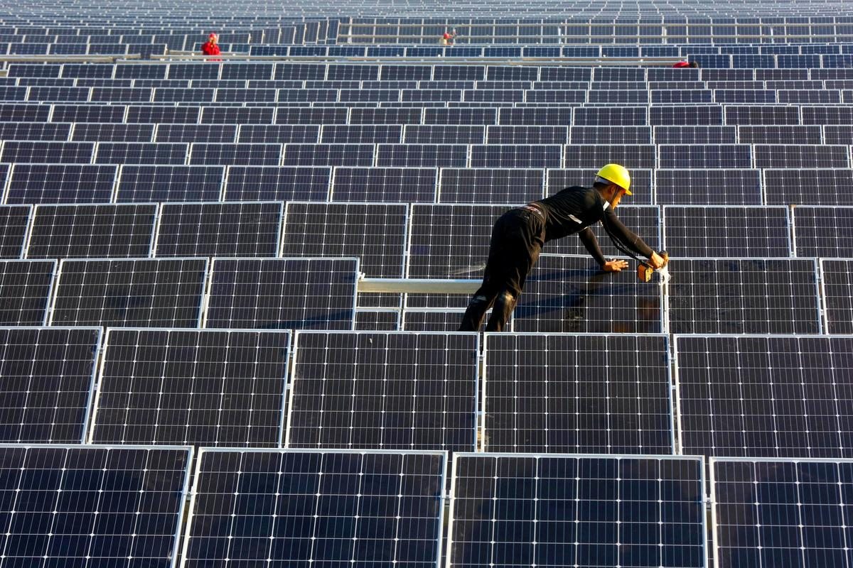 Eu Looks Into Extending Import Controls On Chinese Solar