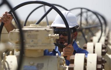 焦点:OPEC同意小幅增加石油供应 沙特和伊朗各退一步