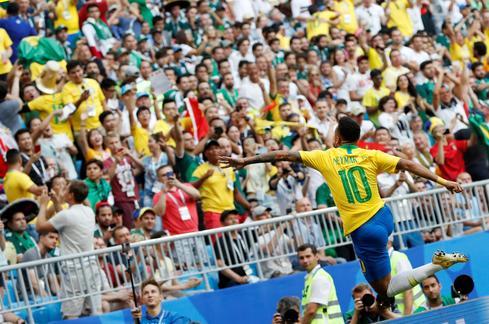 Brazil 2 - Mexico 0