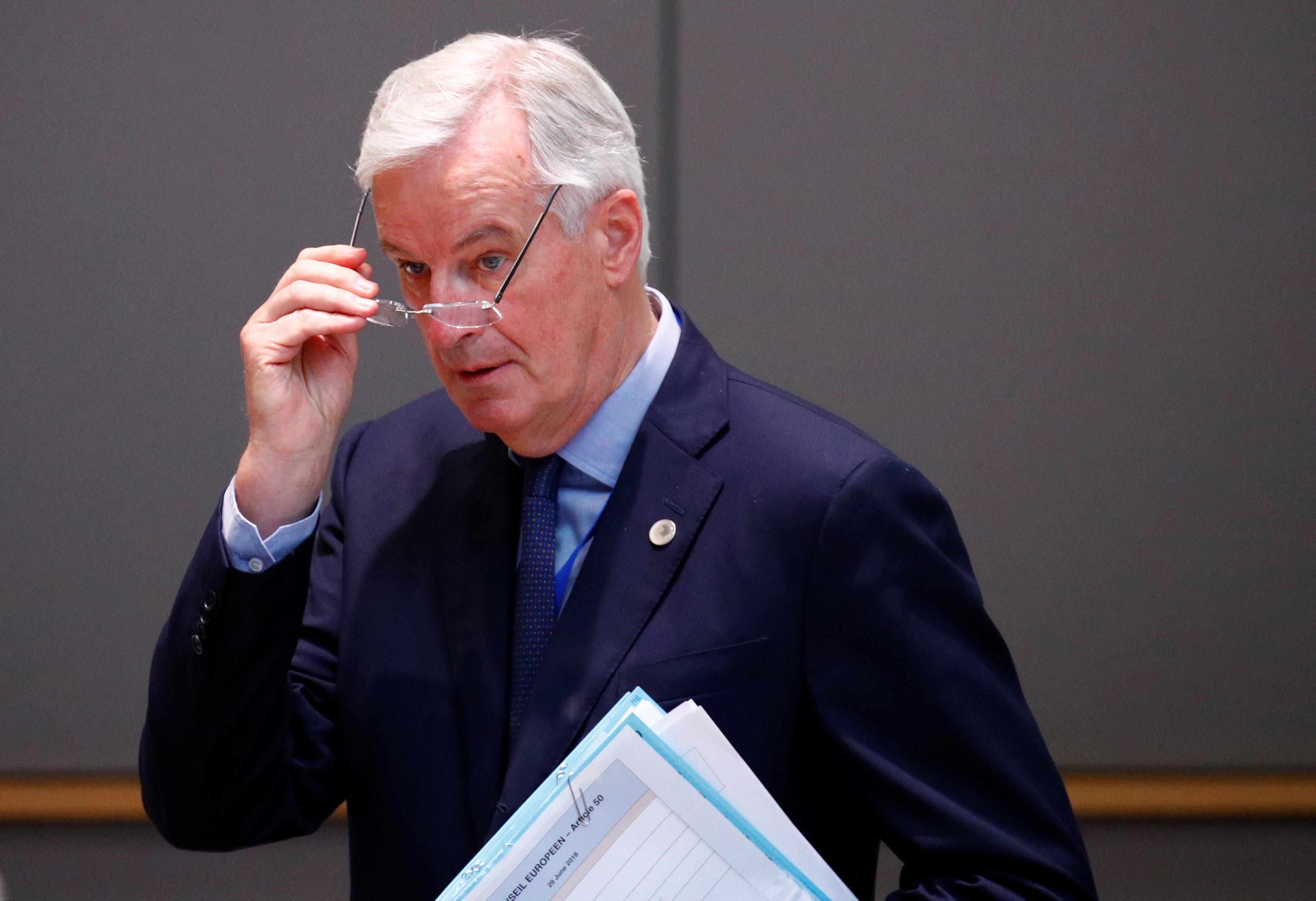 Barnier de la UE dice que evaluará las propuestas de Brexit para ver si son 'factibles y realistas' - Twitter