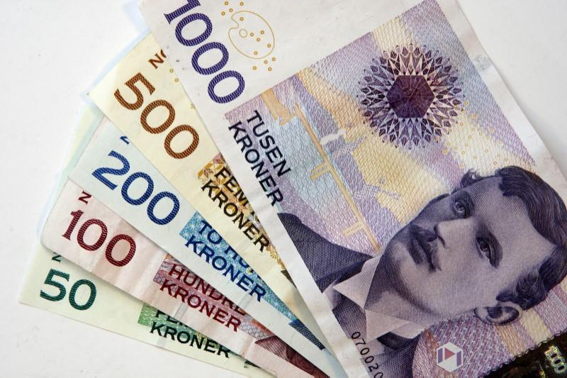 Swedish, Norwegian crowns seen strengthening against euro