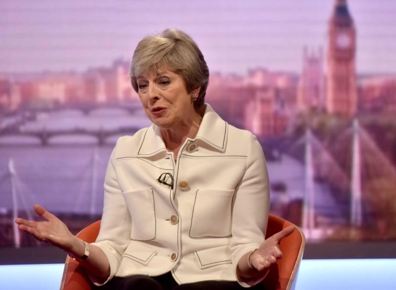 Cuadro informativo: ¿Qué dicen los críticos de May sobre ella y sus planes para el Brexit?