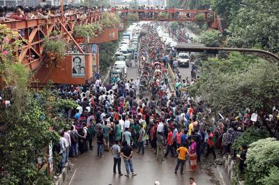Bangladeshi students protest for safer roads