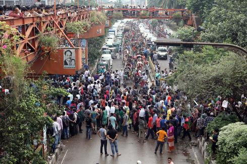 Bangladeshi students protest for safer roads