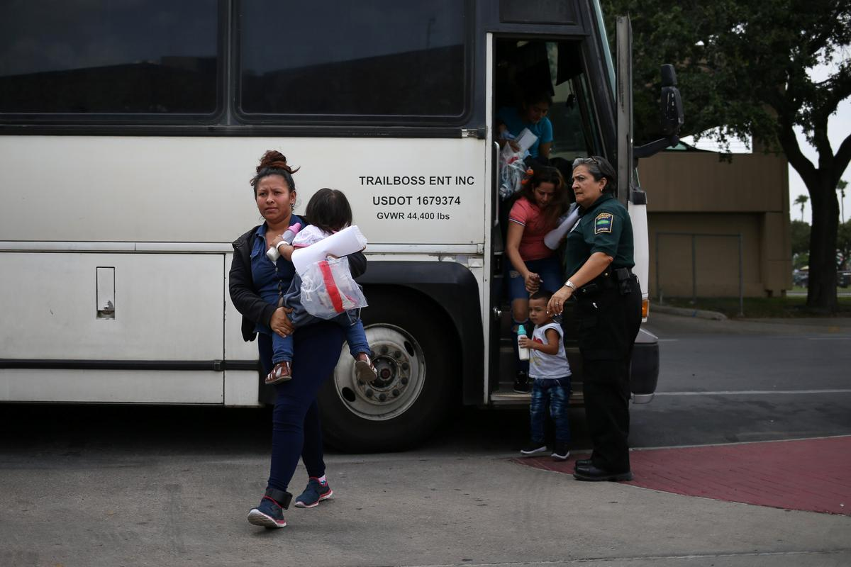 photo image Judge encouraged by U.S. plan to reunite separated immigrant families