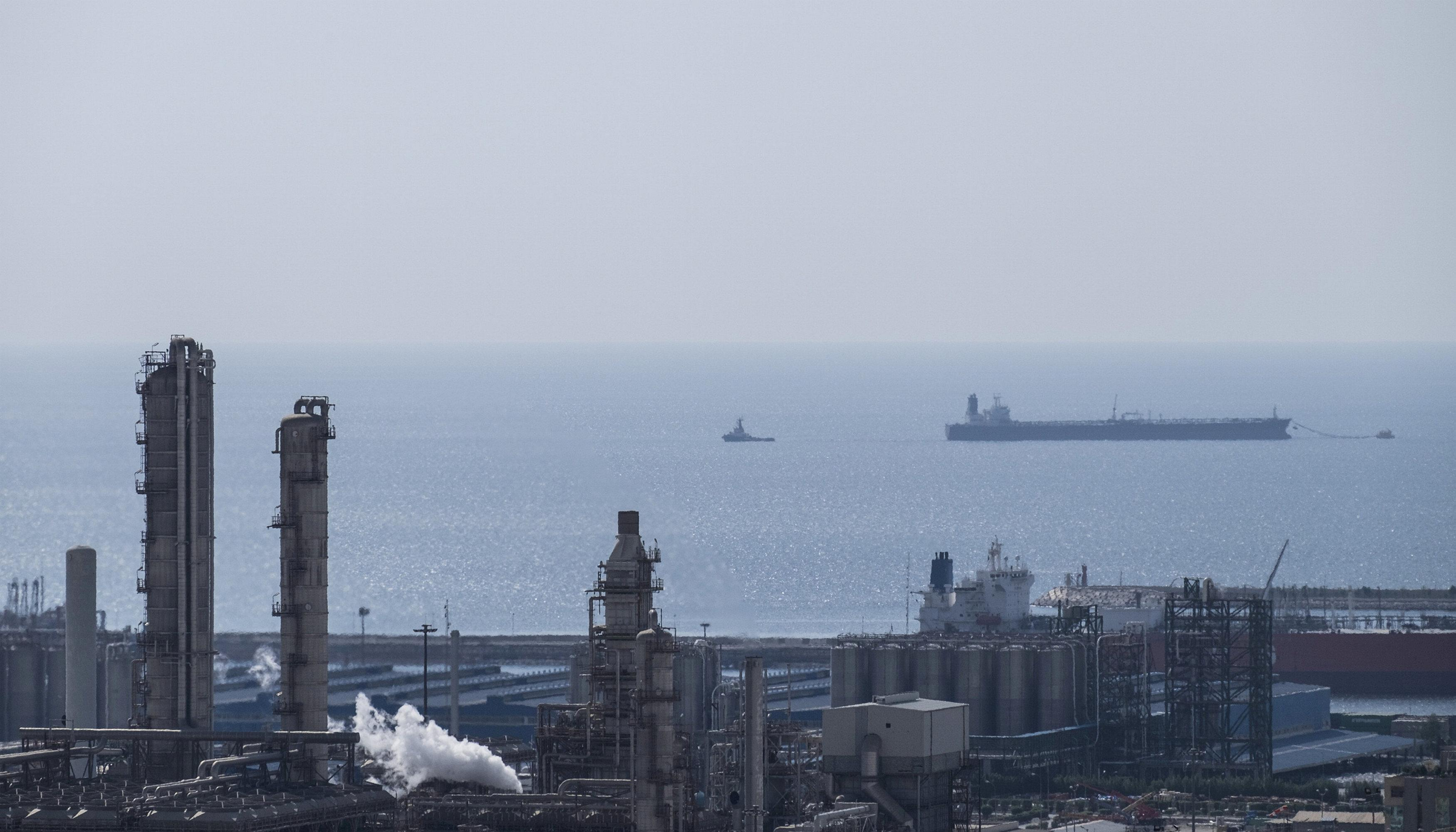 Explainer: In the race to bag Iran's European oil market
