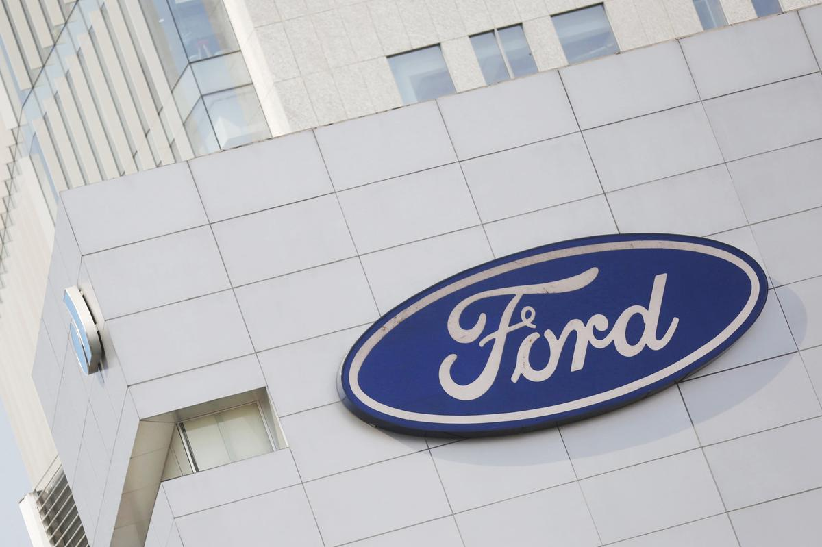 Ford Recalls 2 Million F 150 Trucks Over Seat Belt Fire Risk Reuters Wiring Harness Issues