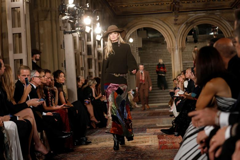 Designer Ralph Lauren Marks 50th Anniversary With Central Park Fashion Gala Reuters Com