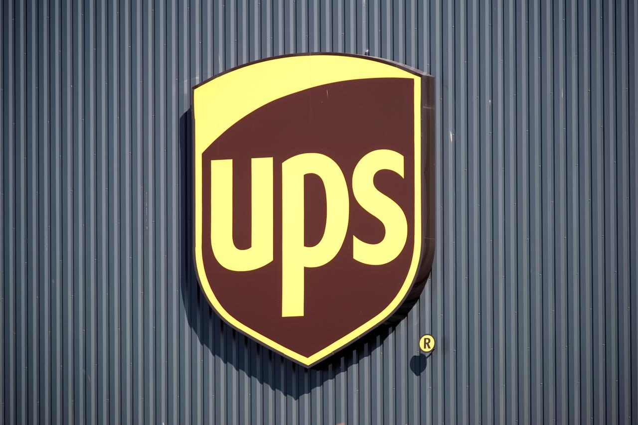 Ups Plan To Boost Business Shipping Falls Short With Investors Reuters