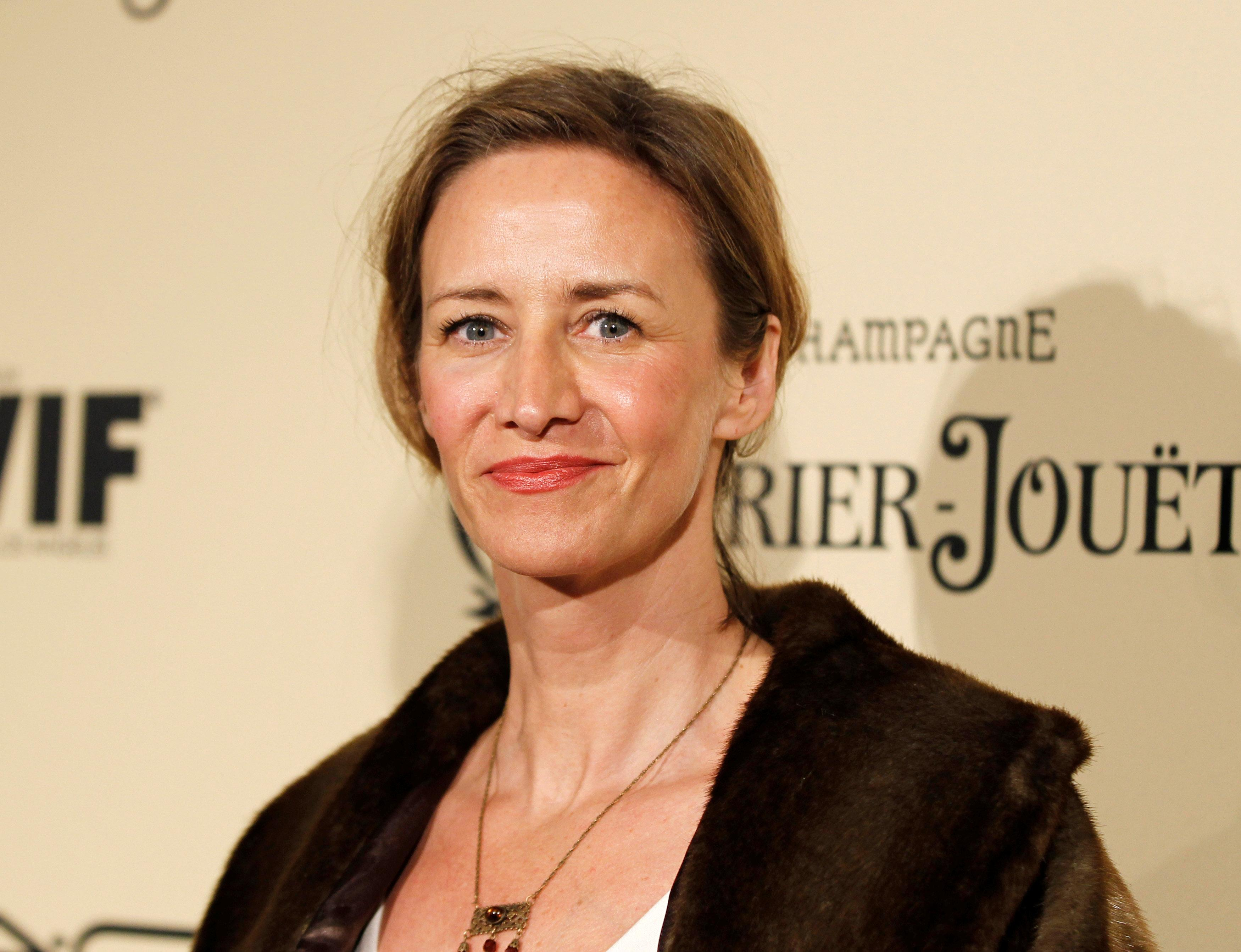 Actress Janet McTeer poses at the Women In Film pre-oscar cocktail party at Cecconi's in West Hollywood, California, U.S., February 24, 2012.   Danny Moloshok