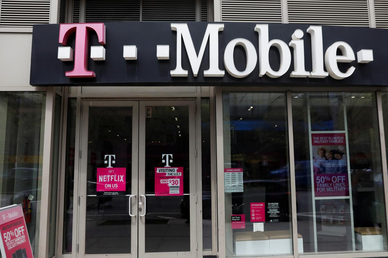 T Mobile Revamps Prepaid Brand To Spruce Up Image Reuters