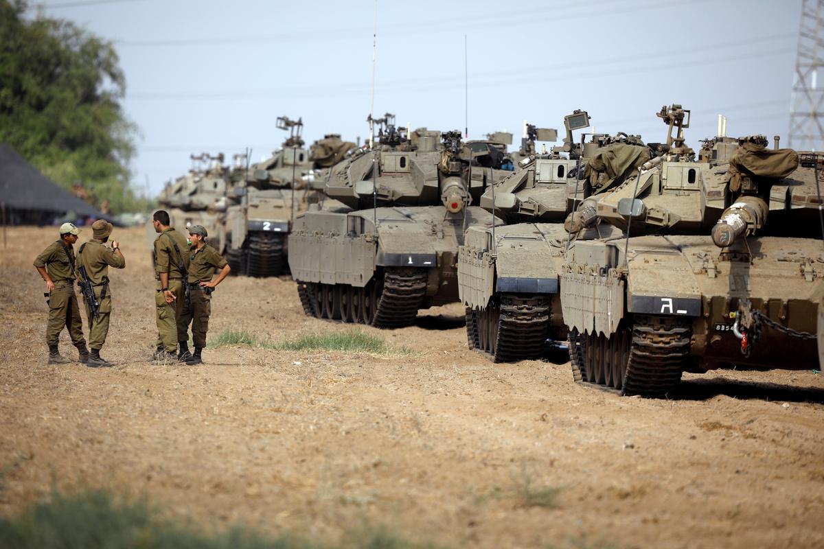 Israel steps up armored deployment on Gaza border