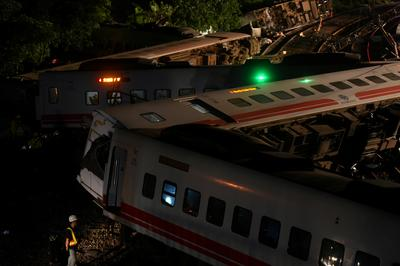 Deadly train derailment in Taiwan
