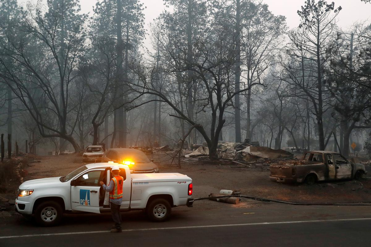 Troops sift through California wildfire ruins amid fears death toll will rise