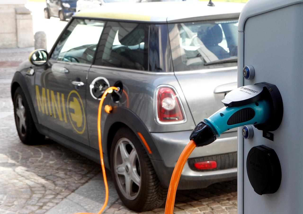 Silicon Eyed As Way To Boost Electric Car Battery Potential Reuters