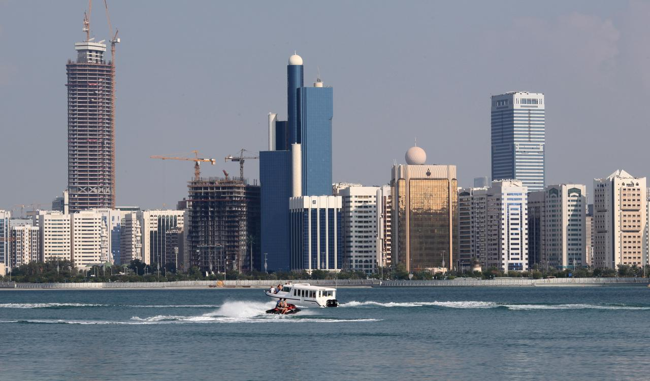 UAE fully complying with U S  sanctions on Iran: official - Reuters