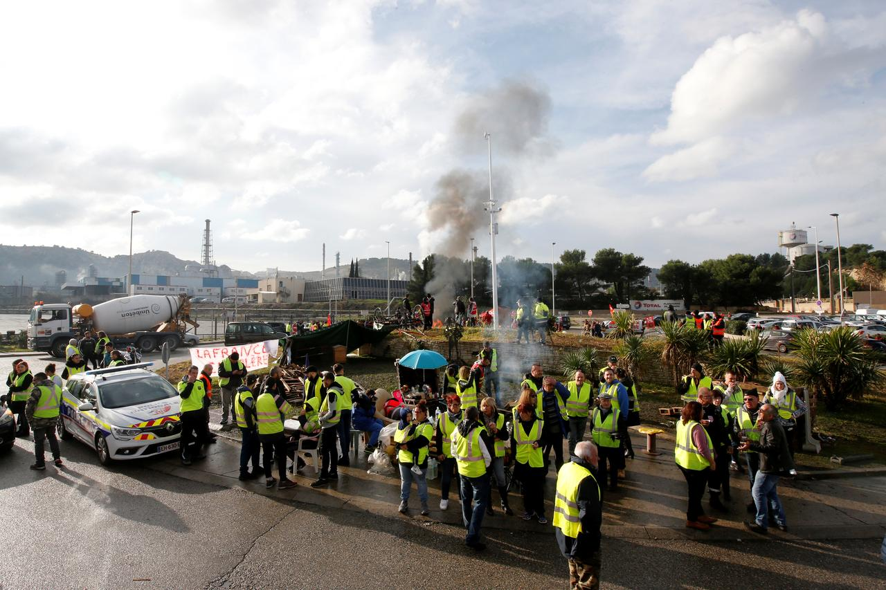 French retailers warn anti-fuel tax protests could derail Black