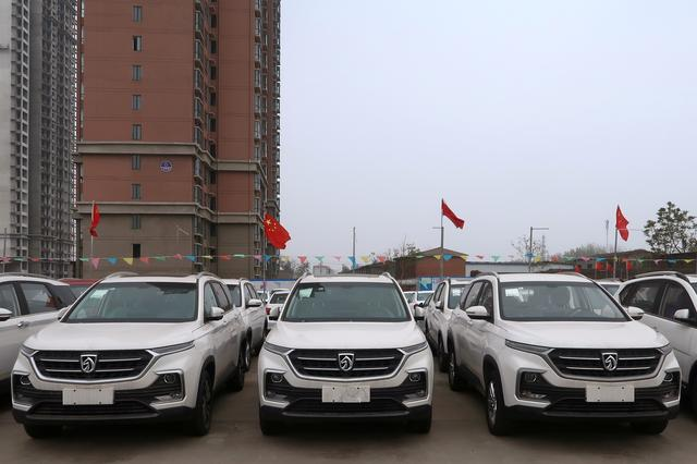 In China's hinterland, car market growth engine sputters - Reuters