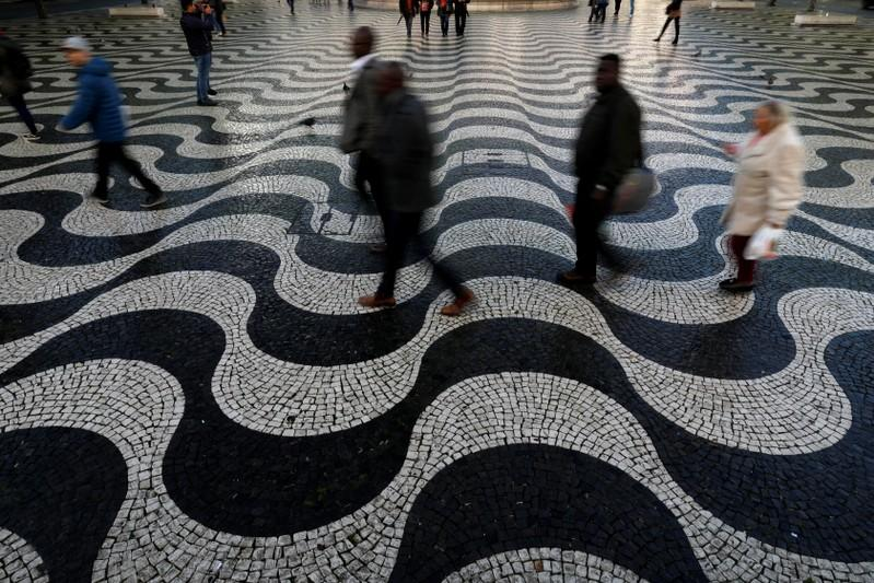 Portuguese pavement makers fear death of centuries-old