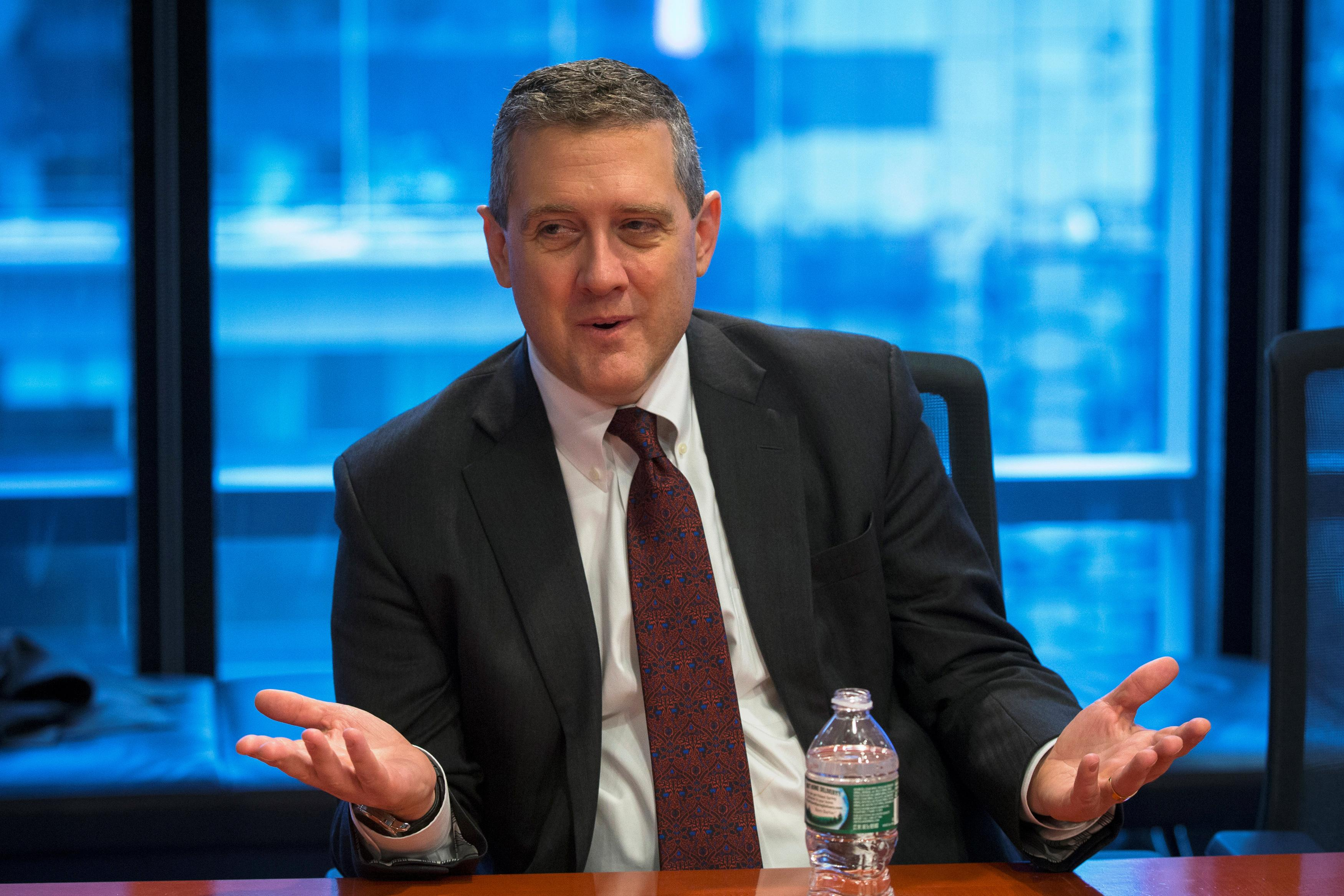 Fed's Bullard says 'real risk' of yield curve inverting this month