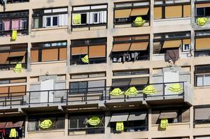 Yellow vest anger endures in France