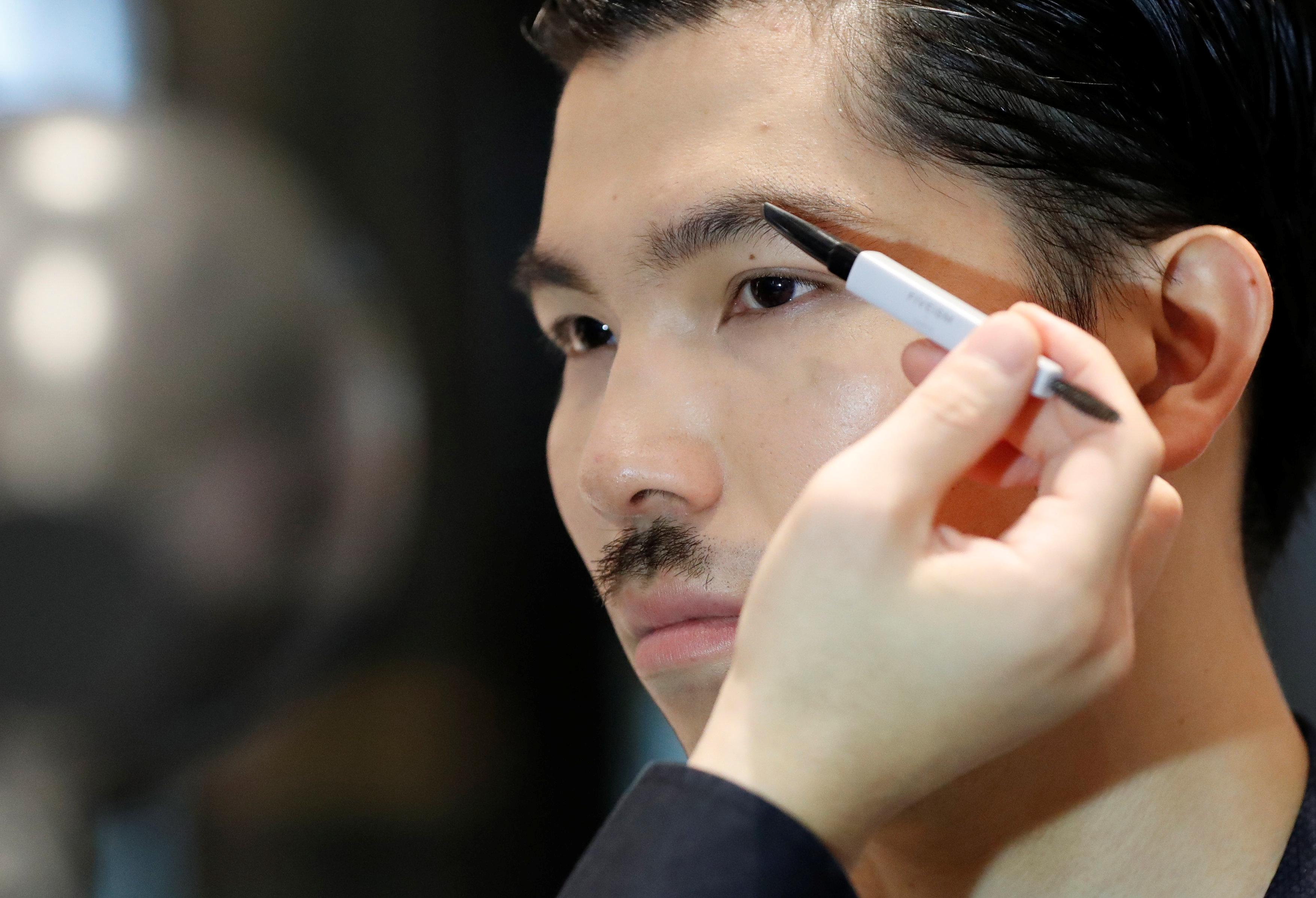 In Asia, nascent men's make-up market starts drawing big brands