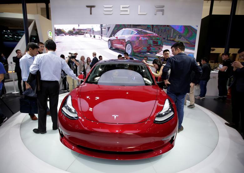 Tesla sets up Shanghai financial leasing unit as China plans