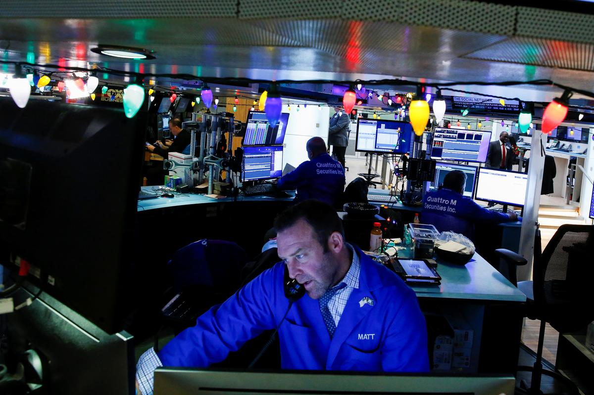 Second dramatic day for global stocks ends on high note