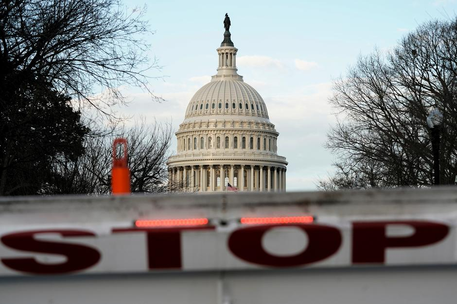 more americans blame trump for government shutdown reuters ipsos