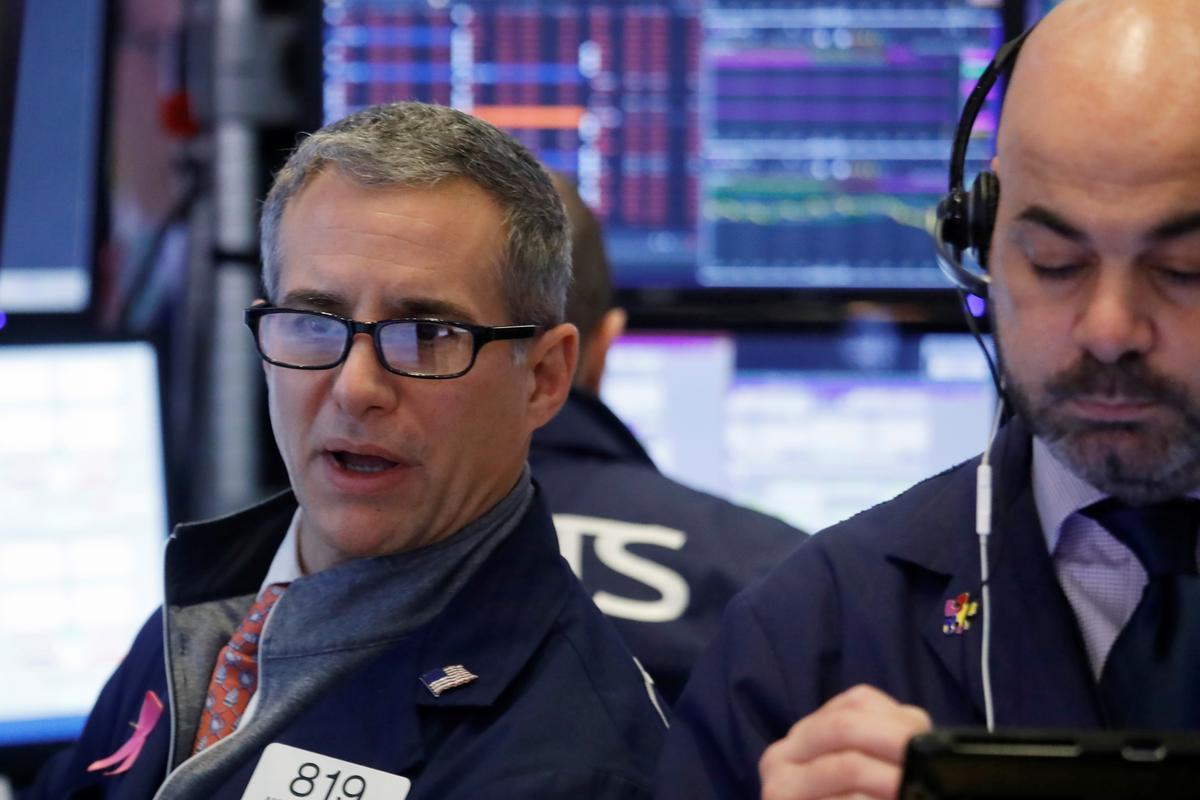 Economic concerns boost bonds, yen; Wall Street recovers