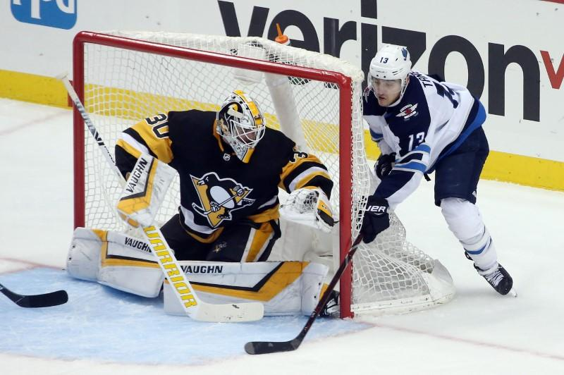 NHL roundup: Penguins win eighth straight