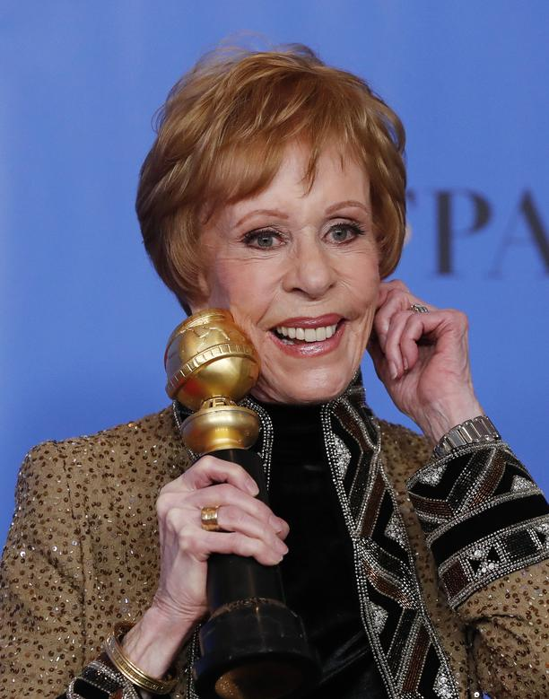 Carol Burnett poses backstage with her Carol Burnett award.       REUTERS/Mario Anzuoni
