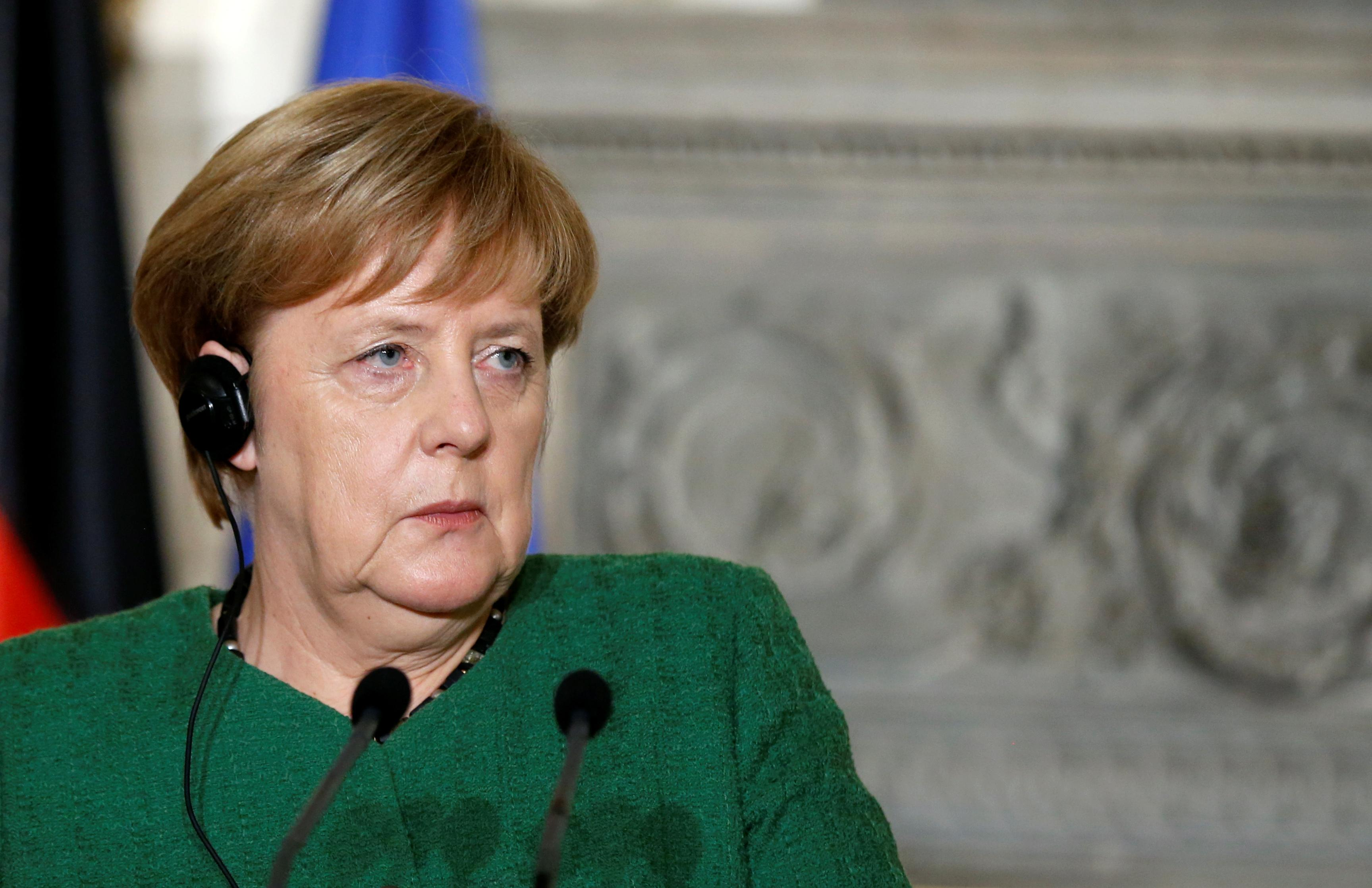 Germany's Merkel says expects Greece to return to markets