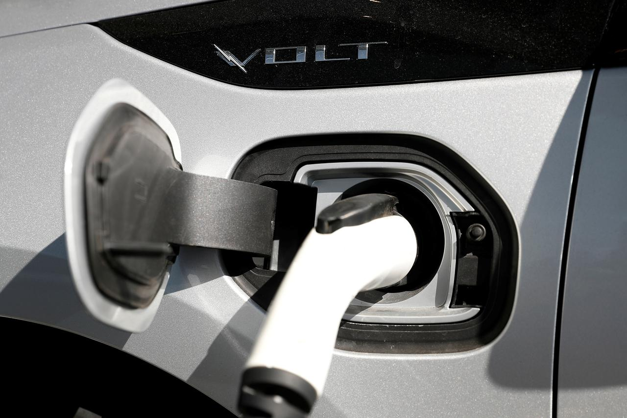 Corporate investors pile into electric vehicle startups