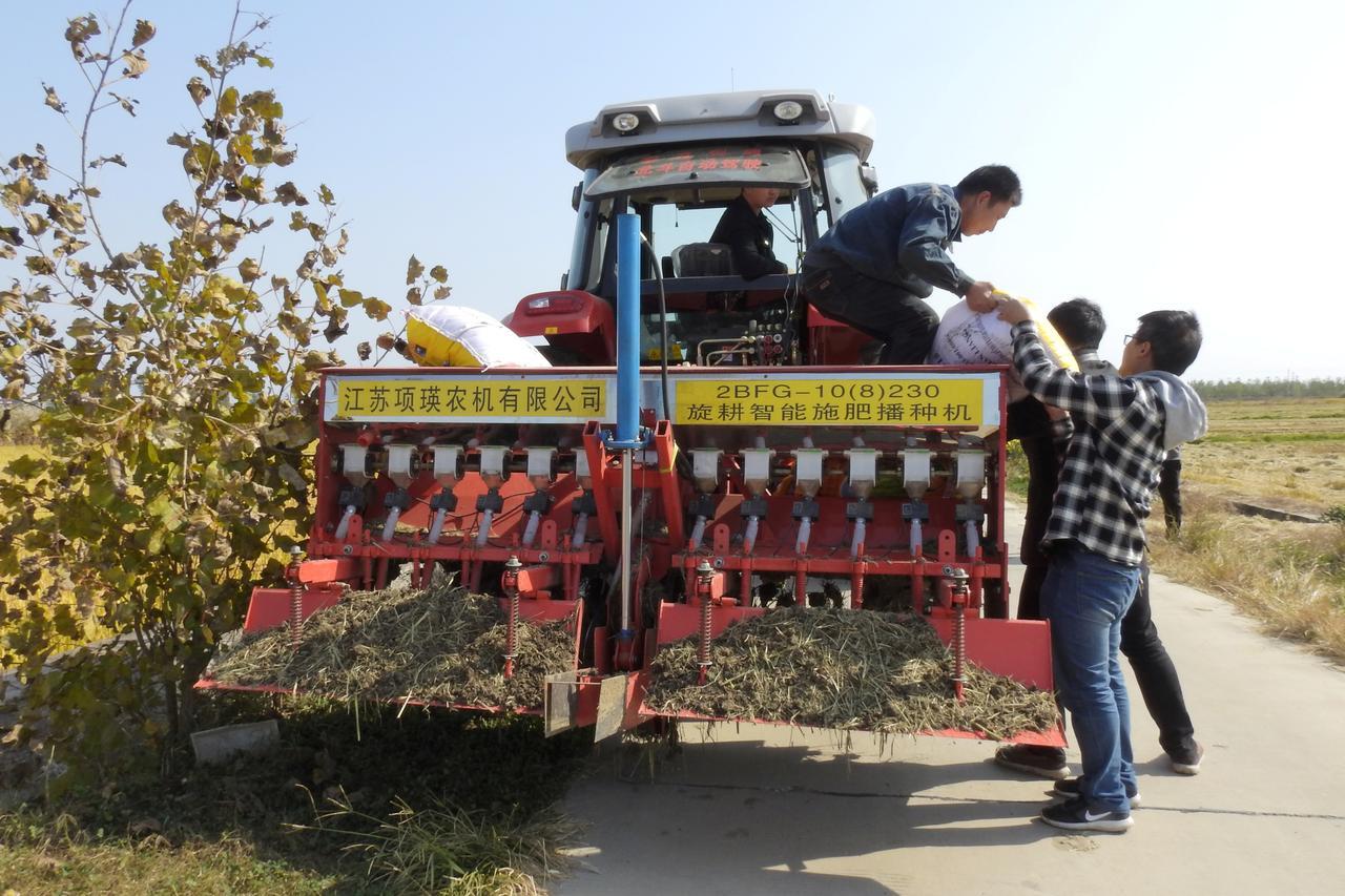 On the autofarm: China turns to driverless tractors
