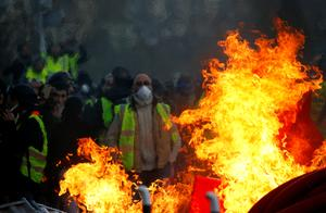 'Yellow vest' protests hit 10th weekend