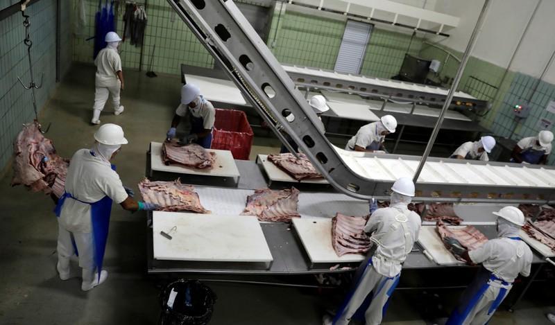 Saudi Arabia trims list of authorized Brazil chicken exporters - Reuters