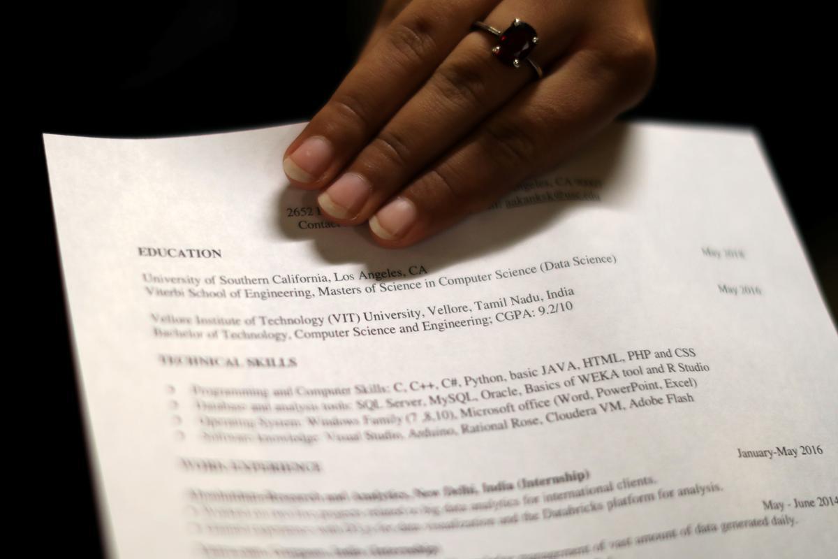 Age bias law does not cover job applicants: U.S. appeals court