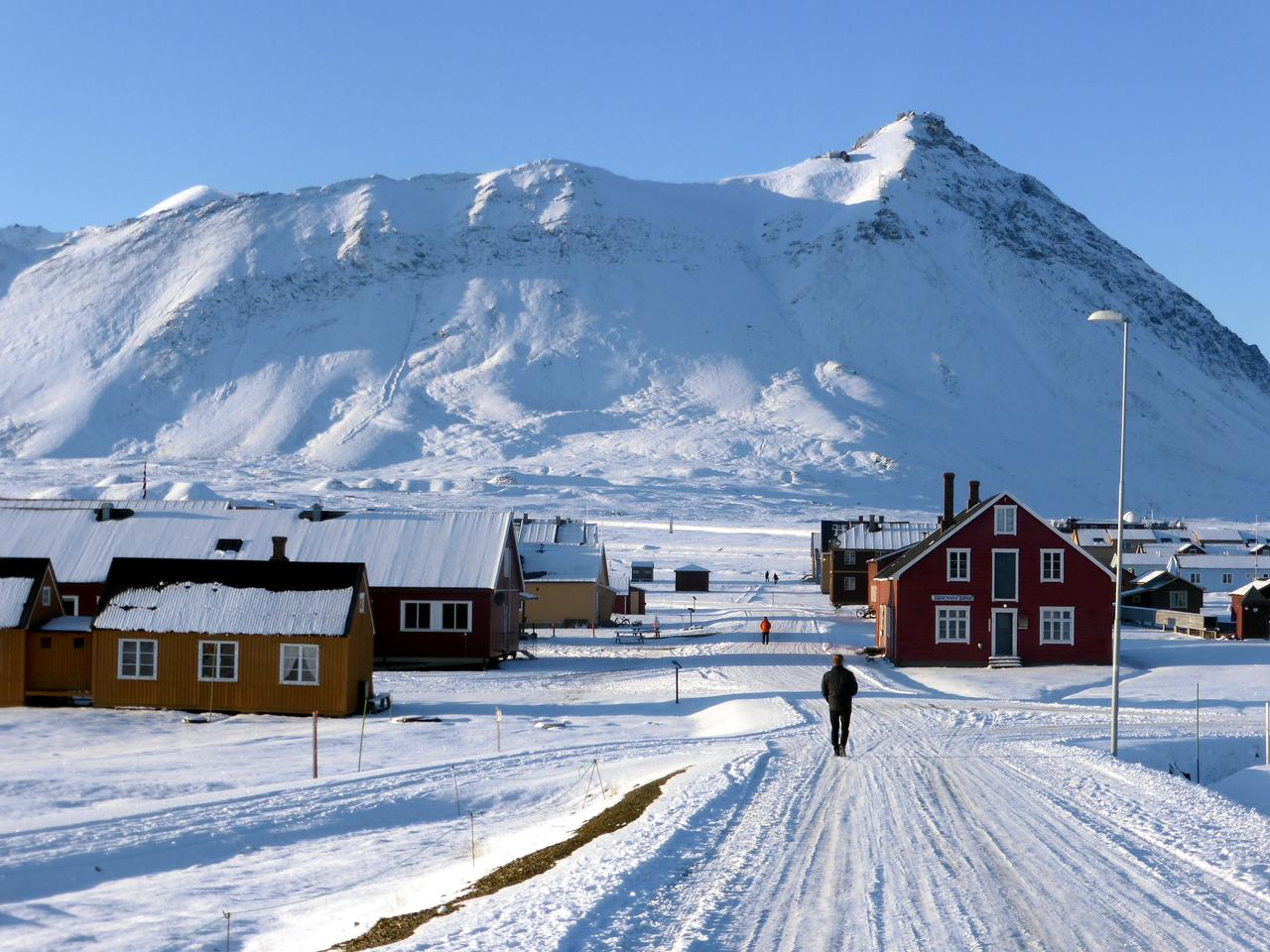 Norway's Arctic islands at risk of 'devastating' warming - report ...