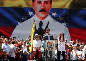 Maduro and Guaido hold competing rallies in Venezuela