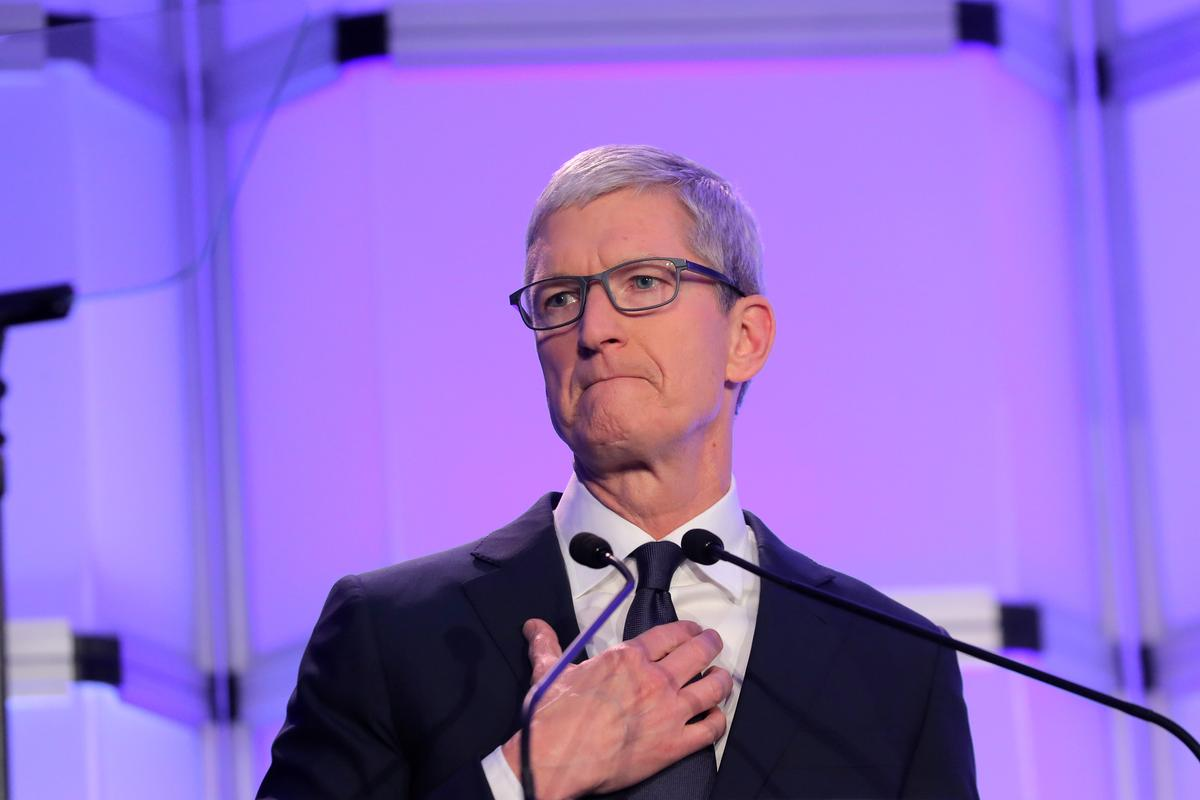 Apple, Walmart, IBM chief executives join White House advisory panel