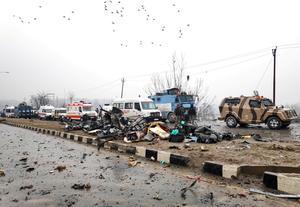 Militant attack on CRPF bus