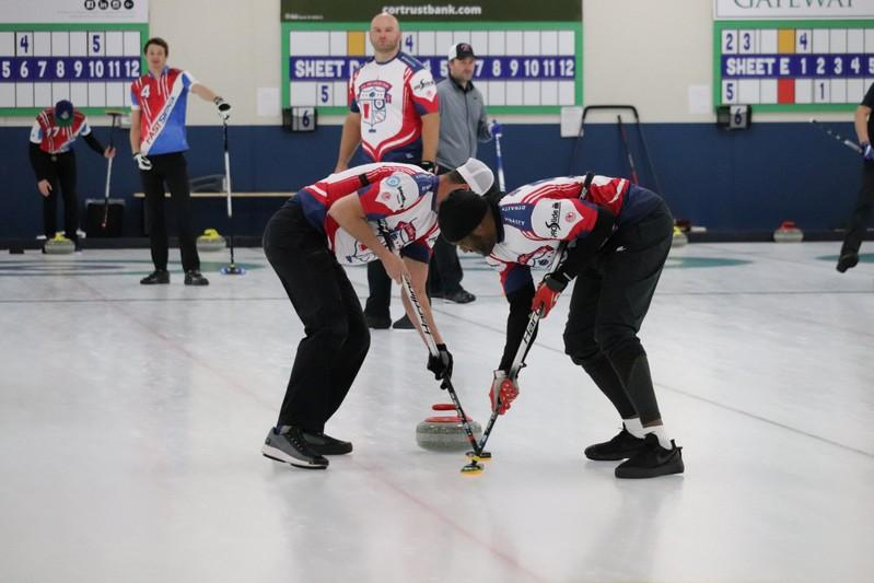 Curling: Former NFLers take aim at becoming Olympic curlers