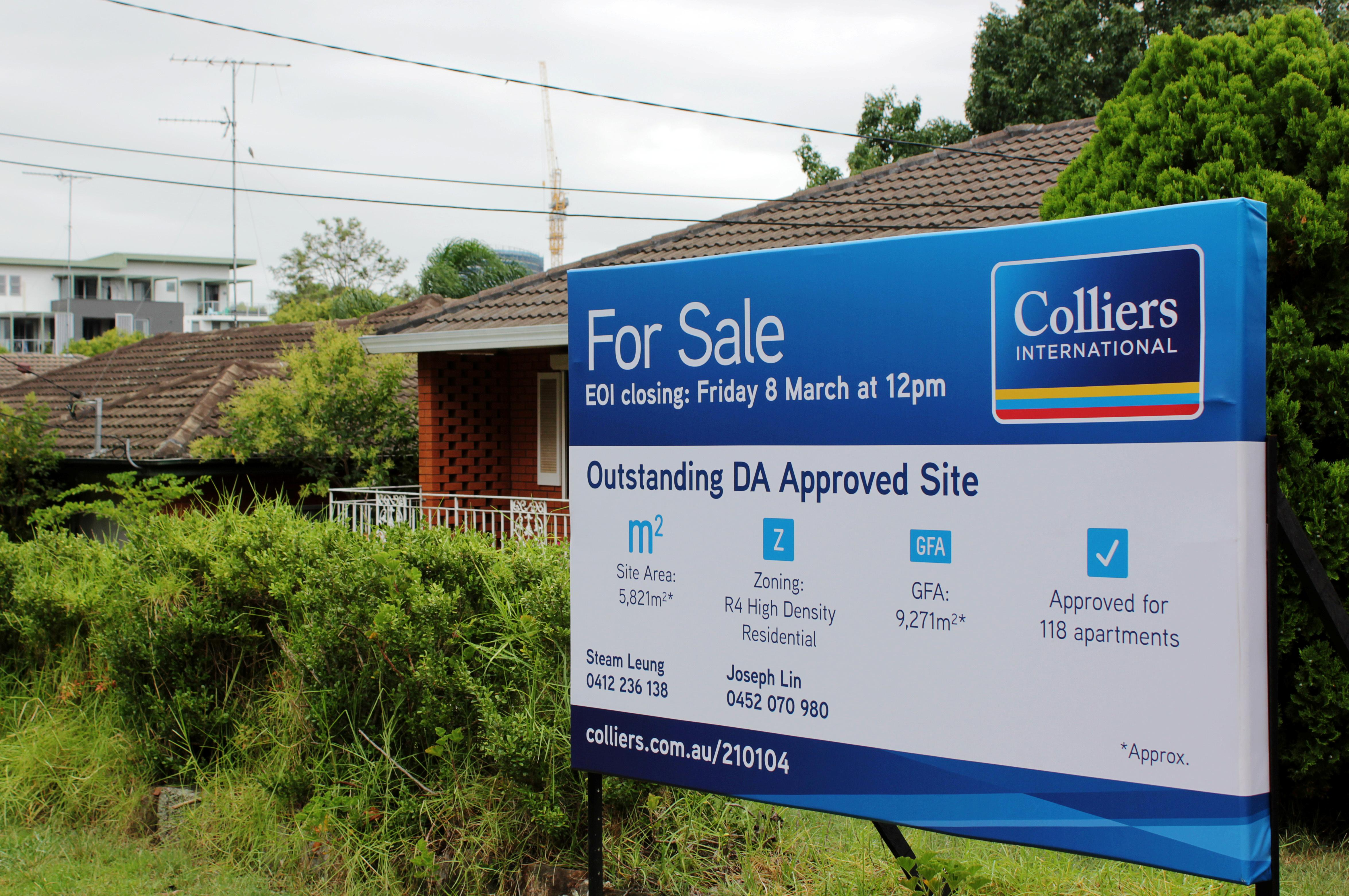 Property bust rattles Australia's record-breaking economy