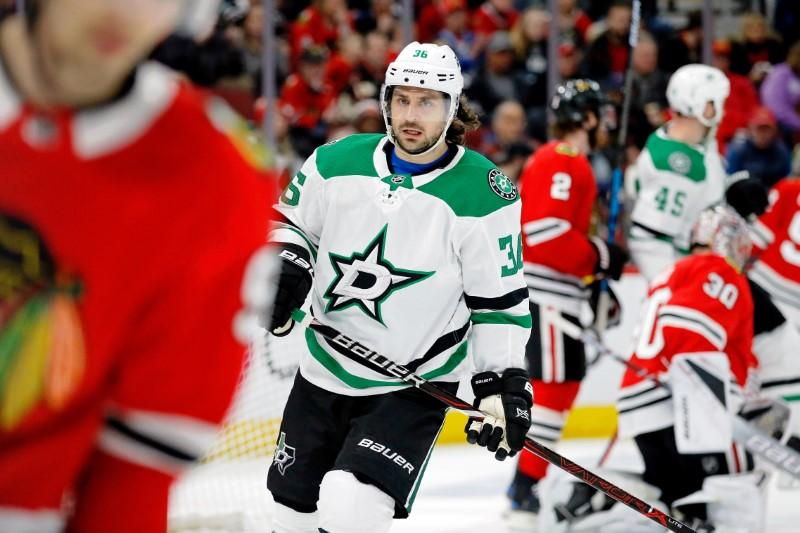 NHL roundup: Zuccarello hurt after shining in Stars' win