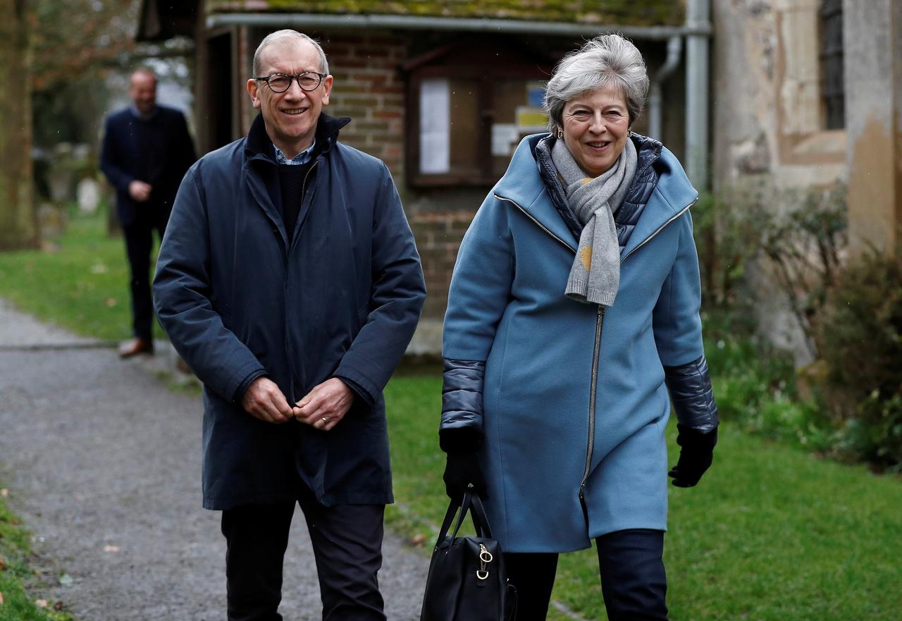 01d03ed1d2eb Prime Minister Theresa May and her husband Philip leave church near High  Wycombe