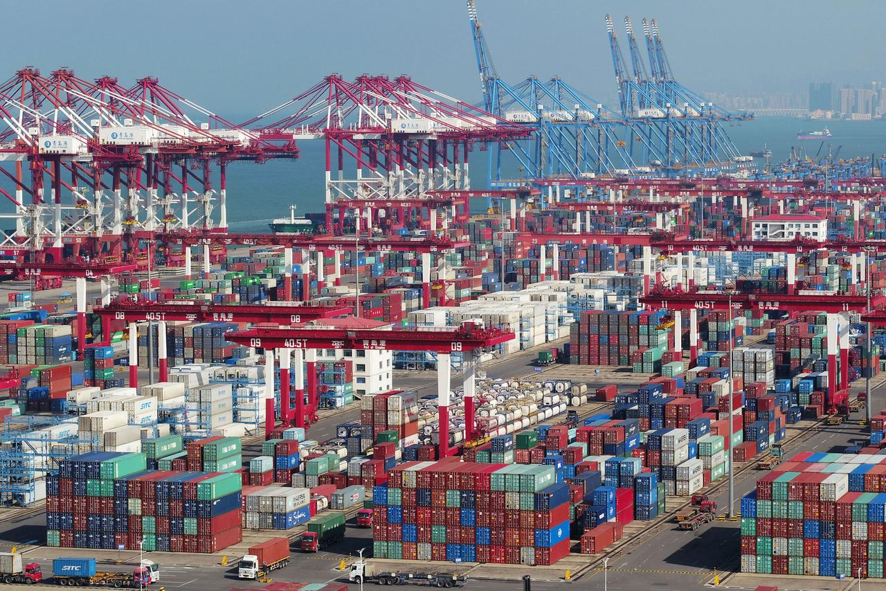Chinese exports To India down By 24.7%; India's export to China up by 6.7%